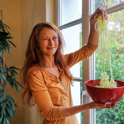 Rohkost Workshop große Freude an Zucchini-Spaghetti